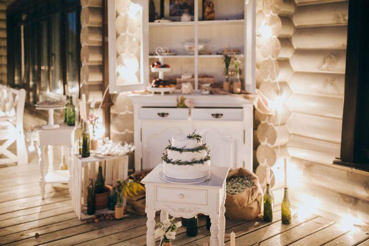 Beautiful wedding cake and decor! <3 #weddingideas #weddingdecoration #weddingdecor