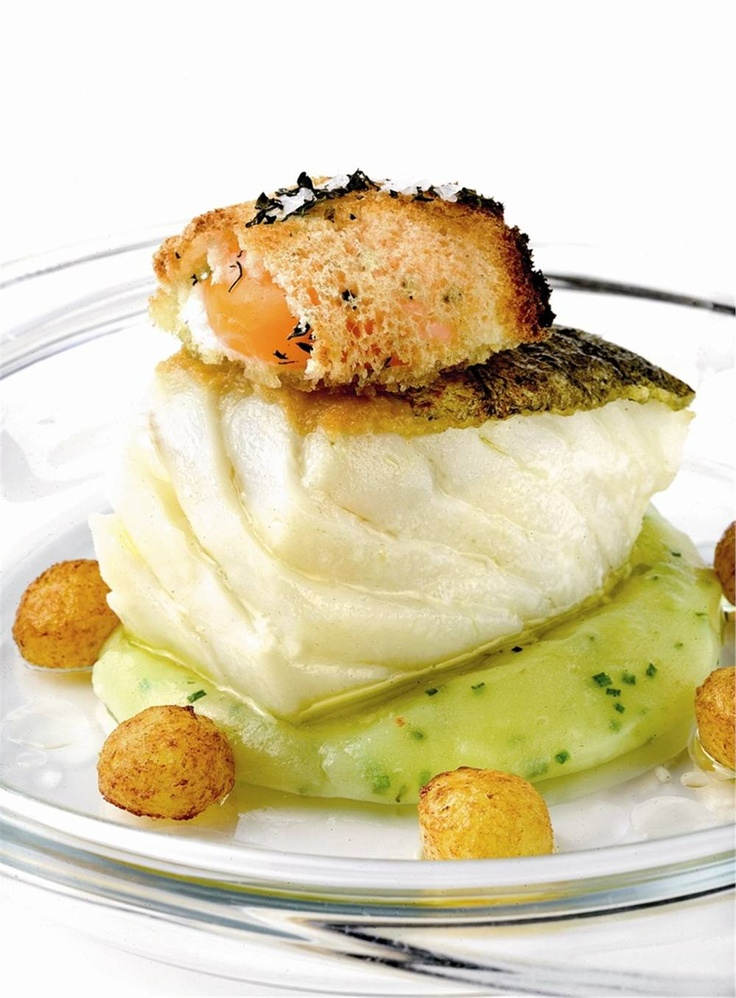 Bacalao con patatas y huevo. Trío perfecto.