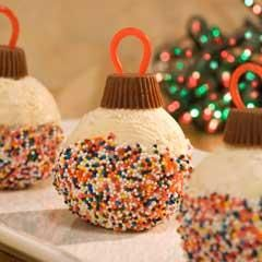 Ice Cream Ornaments~T~ Cute idea for Christmas. Ice cream, mini peanut butter cups, thin red licorice and Rainbow Sprinkles.