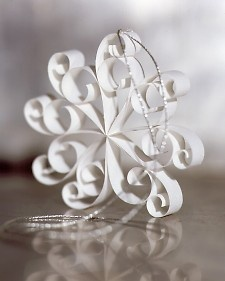 A snowflake ornament is made from eight V-shaped strips of paper, curled at the ends with a quilling needle and joined with a dot of glue at the center.Holiday, Ideas, Quilling Snowflakes, Diy Crafts, Snowflakes Ornaments, Paper Snowflakes, Martha Stewart, Christmas Ornaments, Paper Crafts