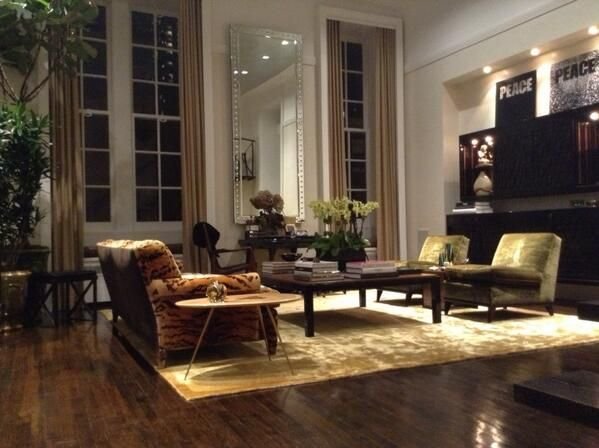 Carole Radziwill NYC Apt : those windows