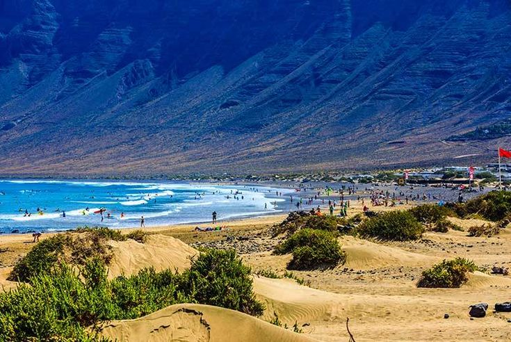 Discount All-Inclusive Lanzarote & Flights - Sunny Winter Getaway! for just £229.00 Where: Lanzarote, Canary Islands.  What's included: A four or seven-night stay at The BlueBay Lanzarote with return flights.  Food and drink: All-inclusive stay covers meals, drinks and snacks.  Hotel: Stay in a one-bedroom apartment complete with air-con and flatscreen TV - just 600m from the beach!  Travel...