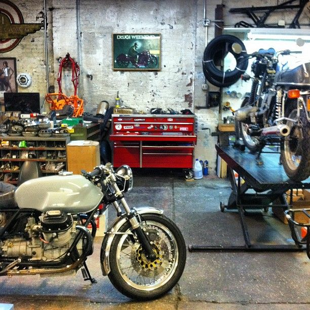 Vintage Garage Ideas: 17 Best Ideas About Motorcycle Shop On Pinterest