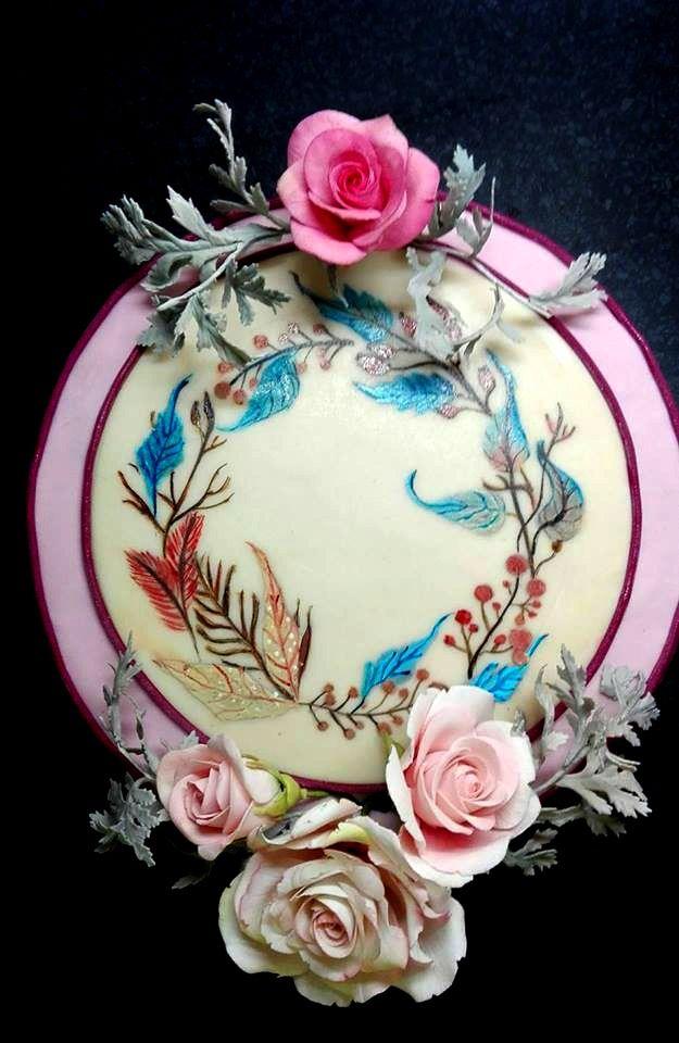 Birthday hand painted cake. Ručná maľbana marcipáne, modelované kvety z gumpasty.