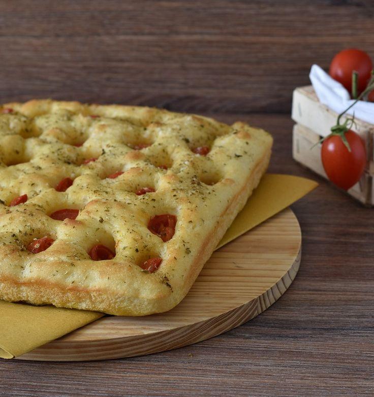 #Focaccia pugliese alta e soffice #pomodoro #ricetta #recipes #tomato #recipe #italianrecipe