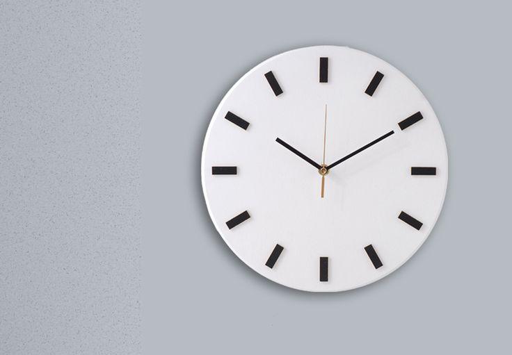 Scandi Clock - bezgłośny zegar drewniany 30 cm, b - Silva-Design-Drewniane-Dekoracje - Zegary