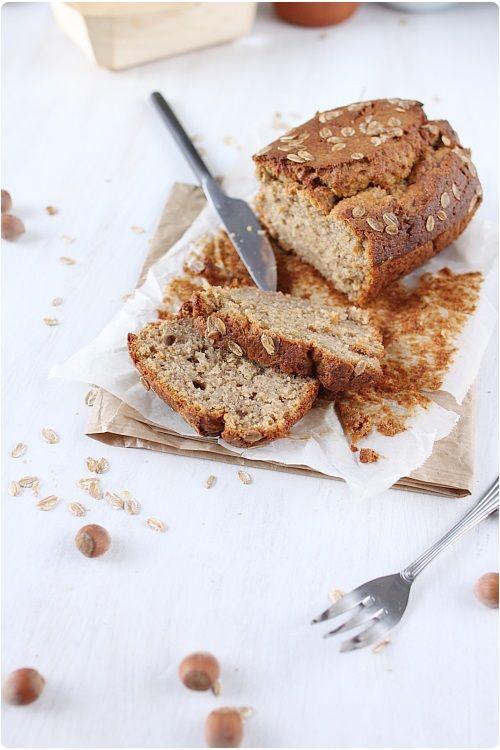 """Voici un délicieux cake """"vitalité"""" ! Il est idéal pour votre petit-déjeuner et vous éviter le petit creux de 11 h ! Ce gâteau contient de la banane qui rem"""