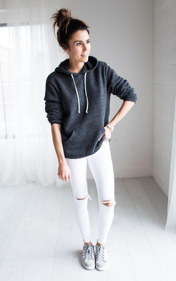 hoodie-con-pantalon-blanco