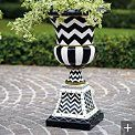Zoey Urn: The Castle, Shabby Crafts, Garden Front Yard, Dream Garden Front, Outdoor Places, Patio Ideas