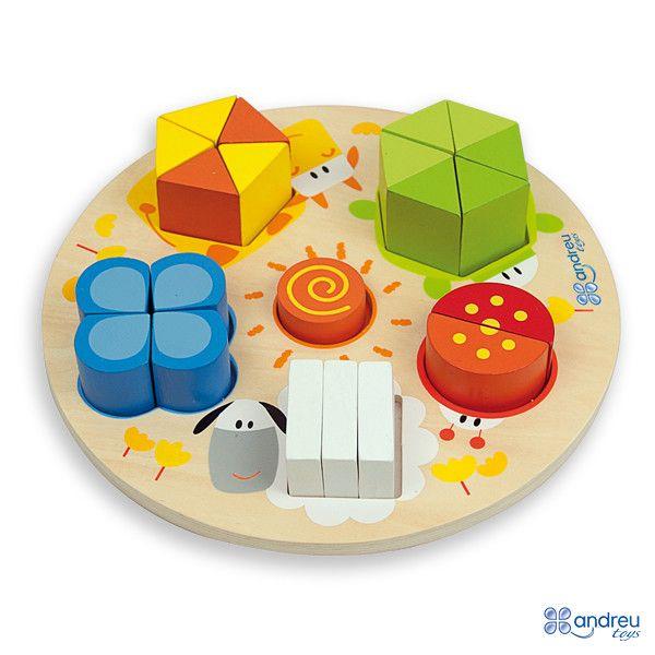 Ideal pel Nadal disponible a la nostra botiga: Puzzle. És treballa amb volum, quantitats i formes geomètriques. A través de la coordinació mà i ull, estimula la imaginació, ... i a més a més, és molt bonic i fet aquí! Que us sembla com a regal per a nens de 2 anys?