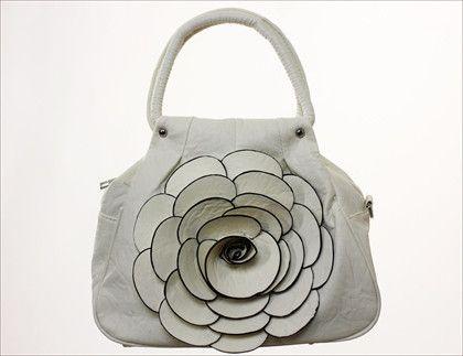 Rose Handbag   The Real Wool Shop