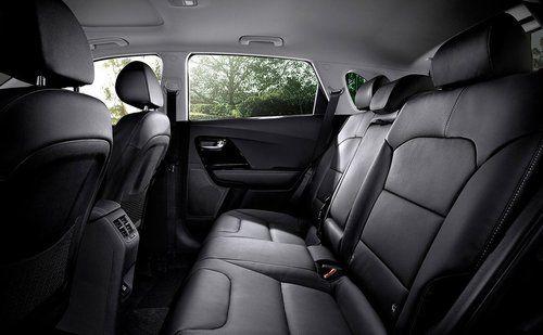 2017 Kia Niro - interior 1