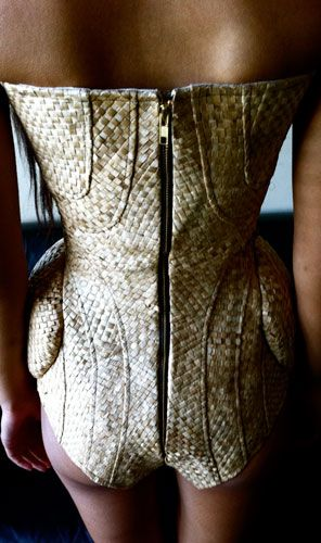This is an amazing design using flax weaving, super clever!  AMAZING!!!  Lindah Lepou