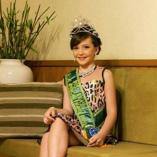 A Miss Maria Fernanda Menegassi arrasou num look Karapalida!