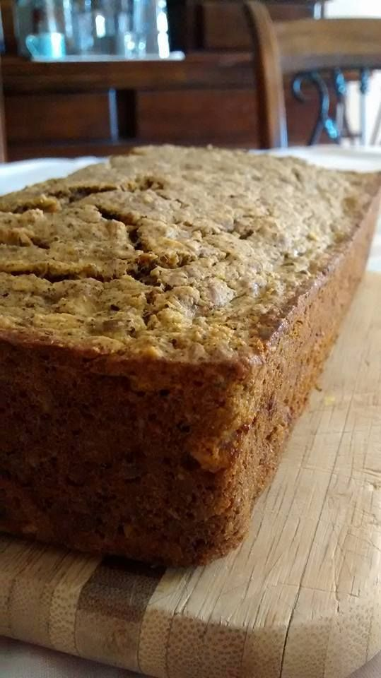 Súper pan de avena, linaza, plátano y proteína de hemp. Este pan es completamente hecho con avena.  Ingredientes: 1.5 taza de harina de avena (180g)(solo muele la avena hasta obtener consistenci…