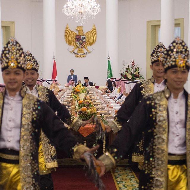 لقطة من زيارة #خادم_الحرمين_الشريفين #الملك_سلمان لاندونيسيا. King Salman of Saudi Arabia during his March 2017 visit to Jakarta, Indonesia