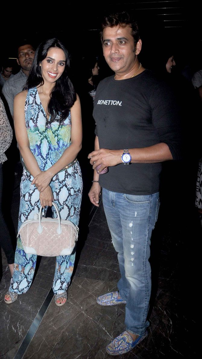 Mallika Sherawat with Ravi Kishan at the screening of 'Meeruthiya Gangsters'. #Bollywood #Fashion #Style #Beauty