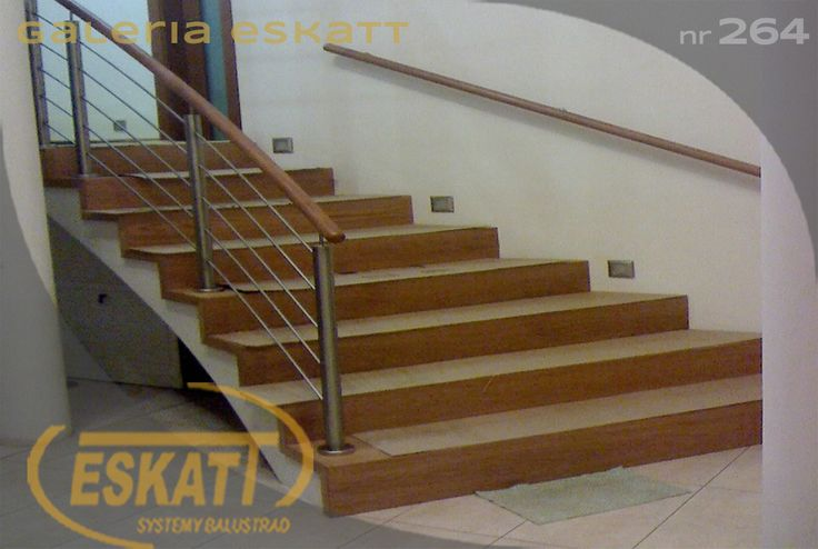 Stainless steel railing with horizontal filling and wooden handrail #balustrade #eskatt #construction #stairs