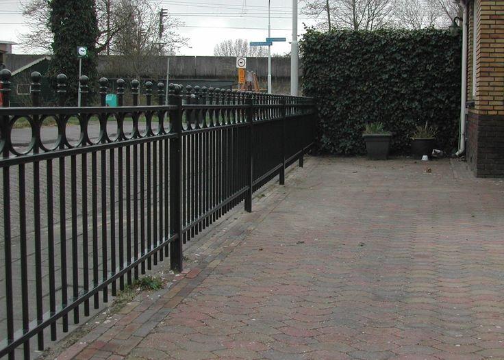 model-nijenburg-10. Maatwerk sierhekwerk van metaal voor tuin, voortuin en balkon.