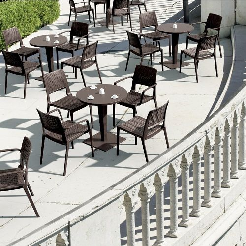 17 best ideas about Restaurant Tables And Chairs on Pinterest ...