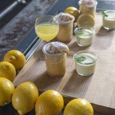 Zitronenkuchen im Glas, dazu Limoncello Honig Mascarpone