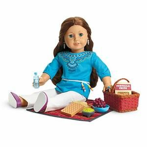 AMERICAN GIRL SAIGE'S PICNIC SET (Please note: doll & outfit are NOT included) Item# F4695  INCLUDES: A woven box that holds tamales A bowl of guacamole and a bag of tortilla chips for dipping A water bottle A bunch of red grapes that fits inside a speckled bowl Includes a blanket woven with a bold Southwestern design, plus a picnic basket to carry it all  PayPal ONLY!  $60 Shipped, US only.  Also, please see my other items for sale at: www.facebook.com/cstarm78