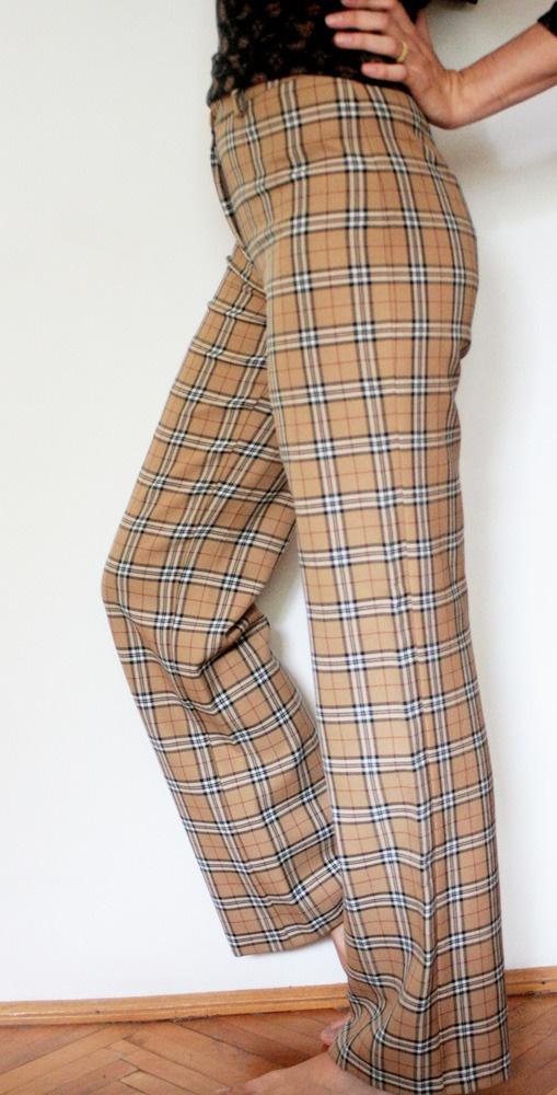 Pantaloni vintage cu imprimeul in carouri