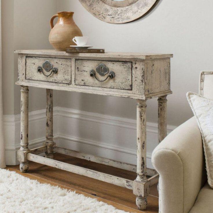 meubles vintage: console en bois patinée de peinture blanche