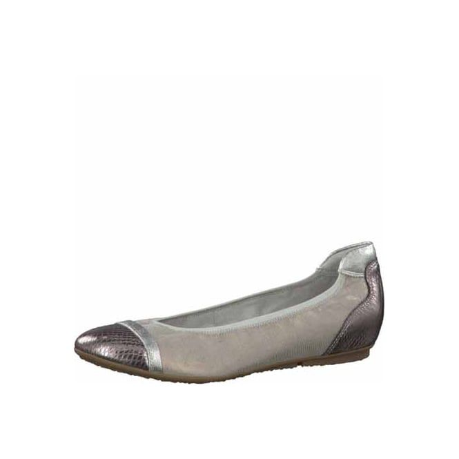Beige & Silver Pumps Ballet pumps Tamaris is a well established German brand offering a wide range of on trend footwear, offering a great price range to match.  Using a variety of soft leathers and synthetics, comfort and style is always there.
