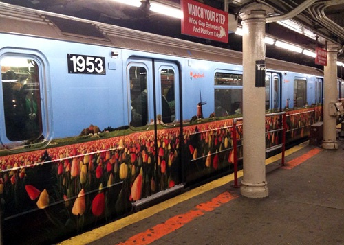 Even the trains are covered in tulips (well, painted depictions of them, anyway)...I love it.: Ja Rautatiet, Junat Ja, Tulip Well, Paintings Depict