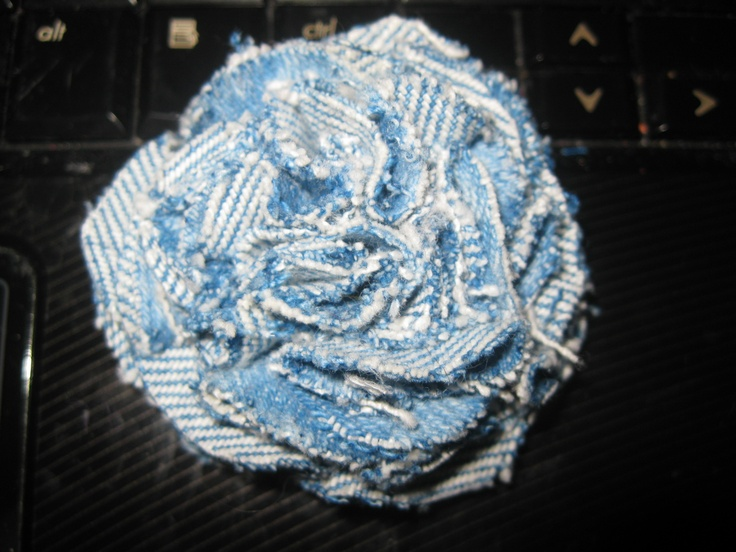 Blue jean flower. - i want to make one to wear on a headband.