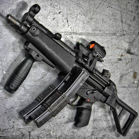 HK MP-5   @WeaponLovers