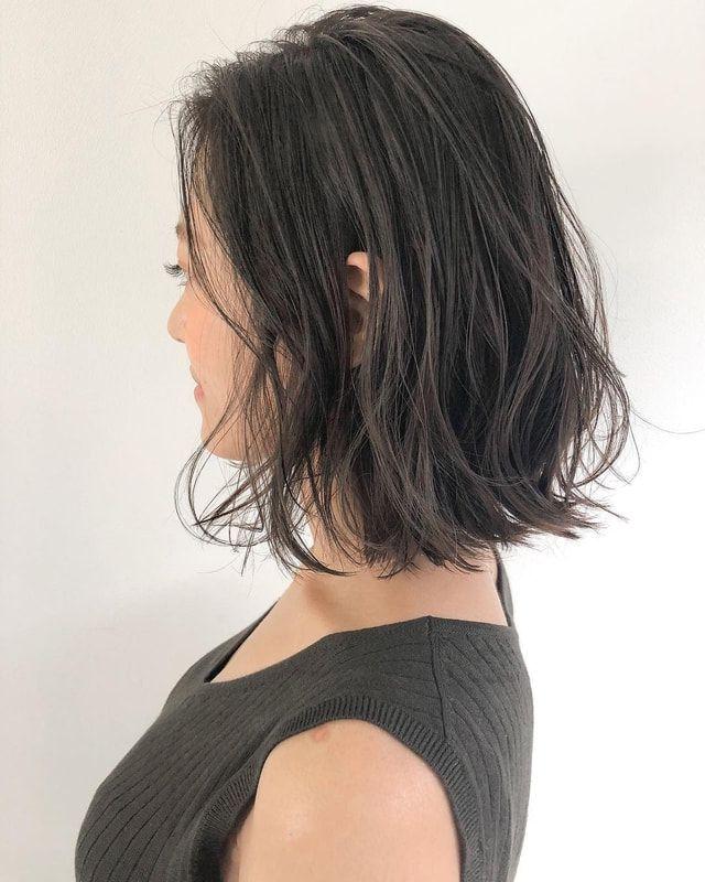 切りっぱなしボブ2021最新版 髪色 長さ別カタログ 似合わせ方やヘアアレンジも紹介 ミディアム パーマ 黒髪 ボブパーマ アレンジ ロングボブ