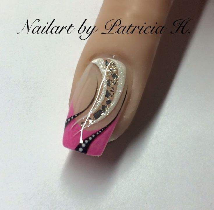 Pink https://www.facebook.com/Nailart-by-Patricia-Haak-779085605532657/