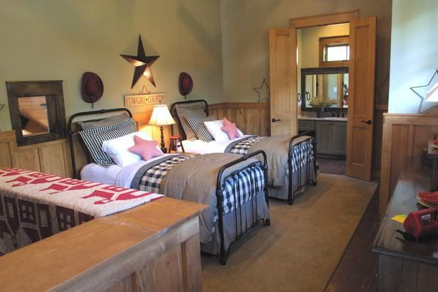 114 best stylish western decorating images on pinterest for Country western bedroom ideas