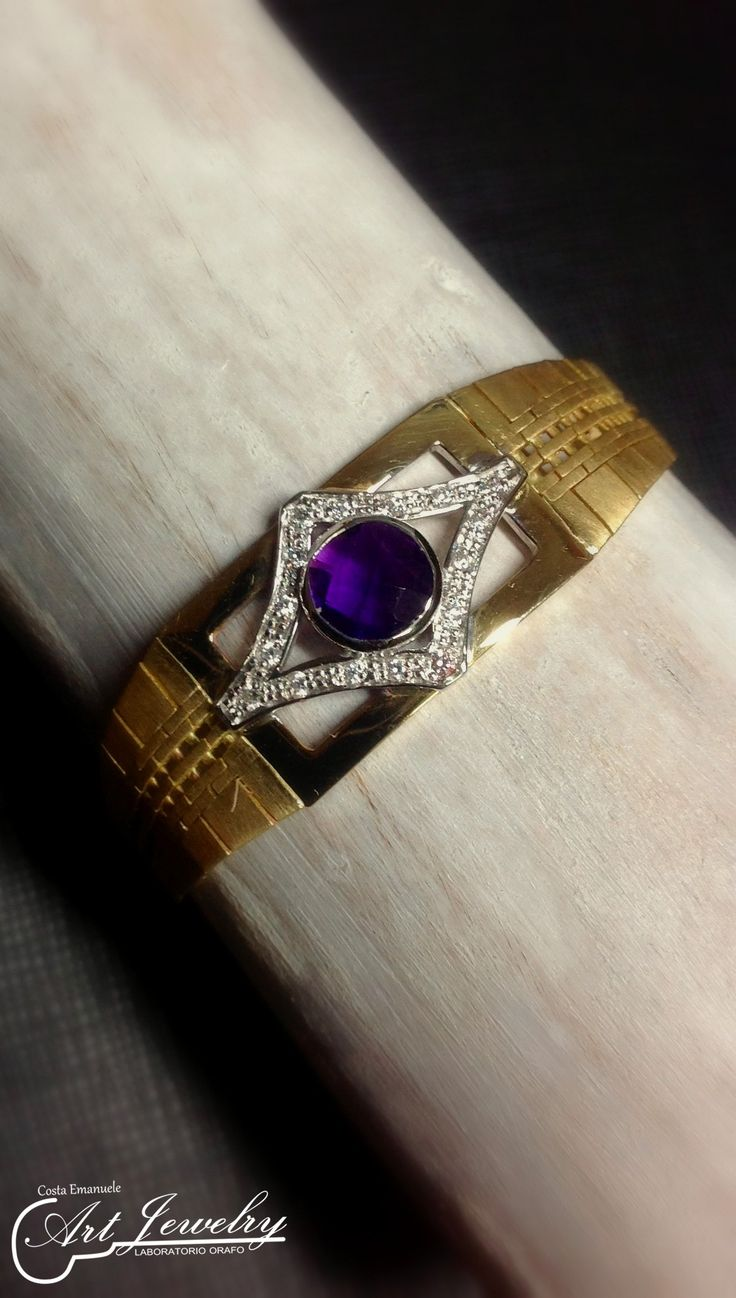 Rielaborazione di un orologio. #gold #amethyst #watch #artjewelry https://www.instagram.com/costaemanuele_artjewelry/ https://www.facebook.com/gioiellicosta/  Photo: Noemi Barolo