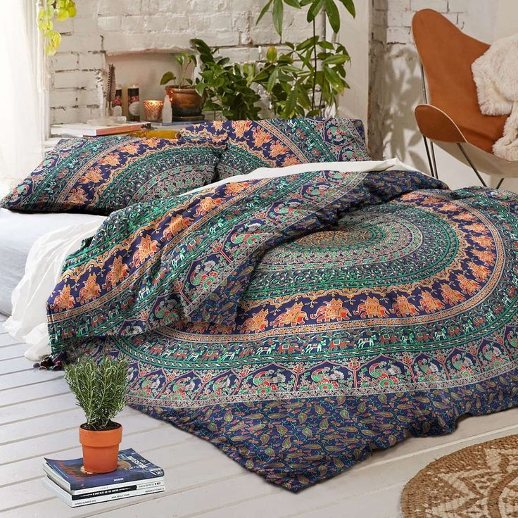 Duvet Fits a Full Size Comforter and looks great on a twin size or full size bed. - MADE IN INDIA:-Beautifully Hand Crafted By Local Artists - A wonderful example of Indian craftsmanship. - Blue Backg