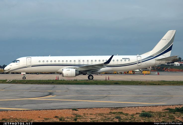 Photo of N889ML Embraer 190 Lineage 1000 by Pedro Aragão