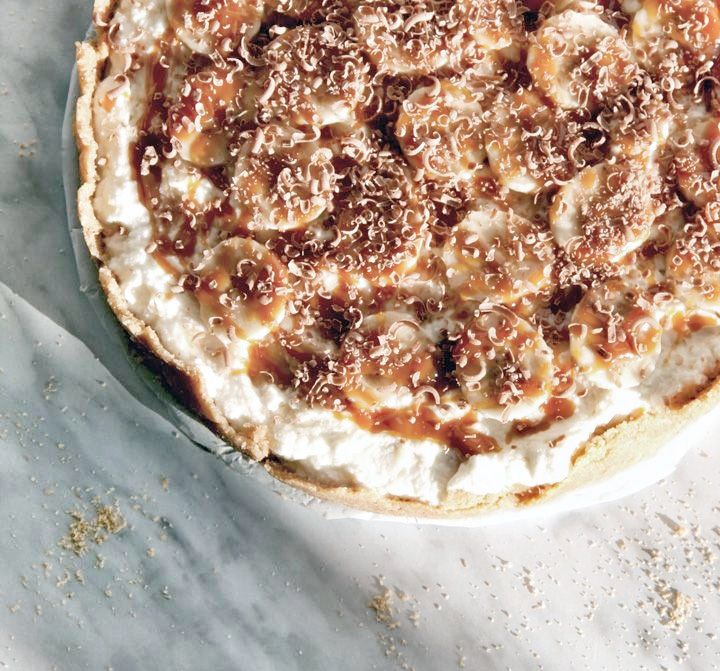 Banoffee Pie by Curtis Stone, herriottgrace: Banana/Toffee! #Pie #Banana #Toffee #Curtis_Stone herriottgraceCurtis Stones, Toffe Curtis Ston, Herriott Grace, Blog Series, Banoffee Pies, Pies Bananas, Banoffe Pies, Toffee Pies, Bananas Toffee