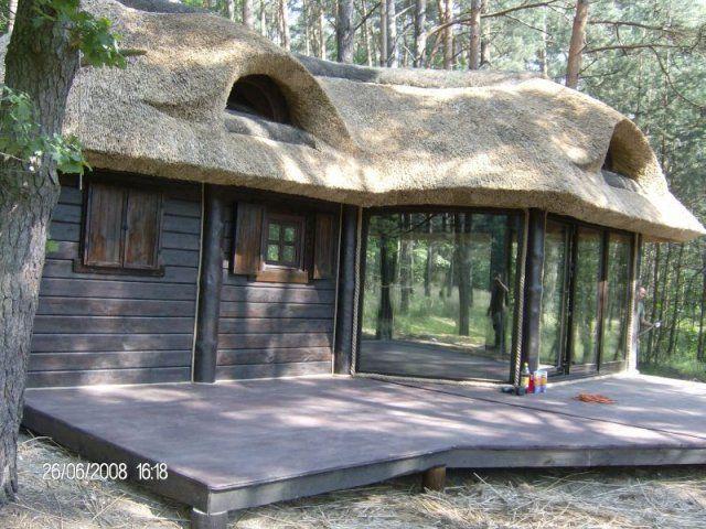 Altana drewniana kryta strzechą Zawadzkie