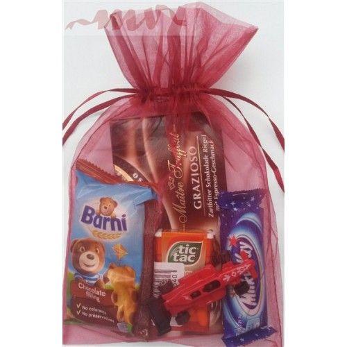 Cadou pentru baietei - dulciuri si masinuta