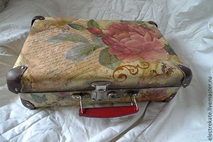 Купить Винтажный чемоданчик - кремовый, роза, Декупаж, декупаж и роспись, чемоданчик, чемодан, чемодан декупаж