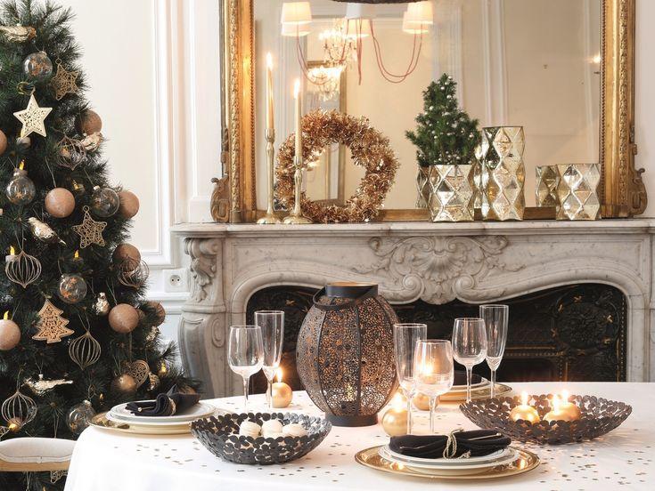 Sortez les paillettes et faites briller votre maison pour Noël ! Le doré, c'est la grande tendance et, d'ailleurs, depuis un moment déjà, vous avez adopté des accessoires déco en laiton. Justement, profitez-en : mettez une guirlande lumineuse autour de votre miroir en laiton, créez un centre de table en posantquelques bougies et pommes de…