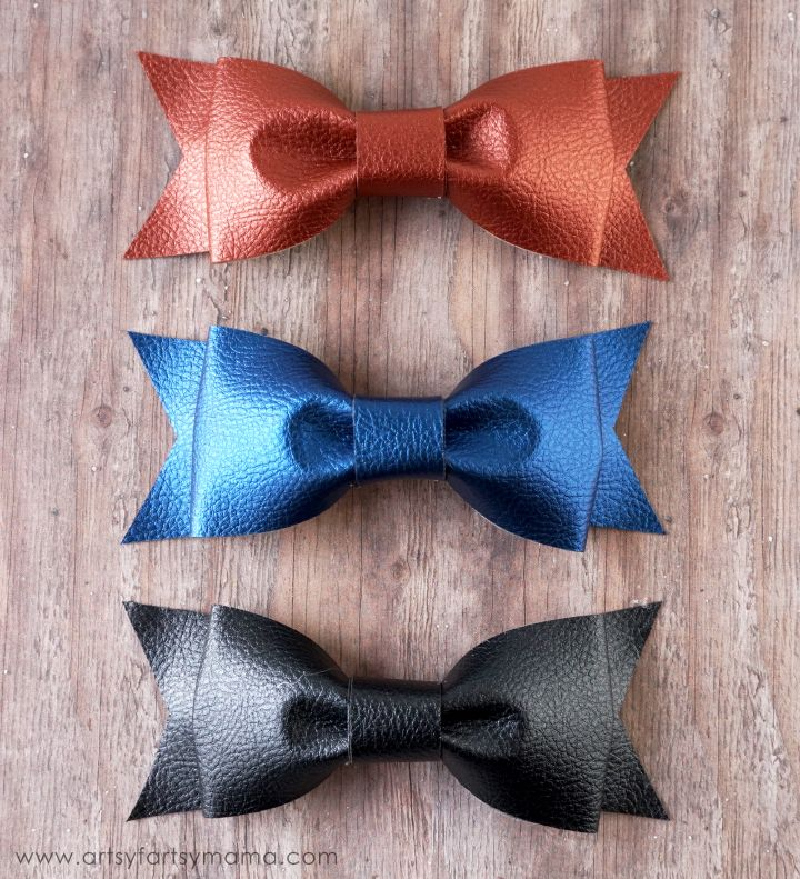 DIY Leather Bows with Cricut Faux Leather