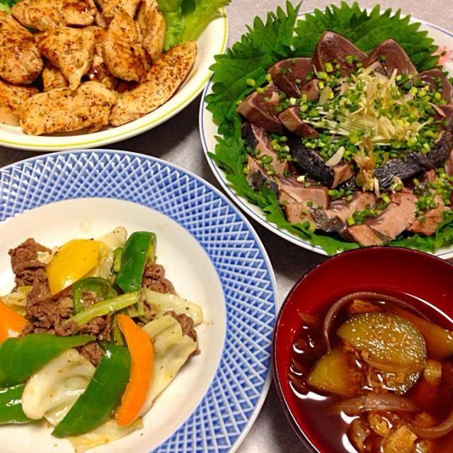 カツオのタタキ、 鶏ソテー、 野菜炒め、 味噌汁 です。 - 16件のもぐもぐ - 今夜も 動物性たんぱく質多めの晩ご飯f^_^;) by orieueki
