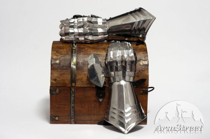 Image result for gant armure medievale