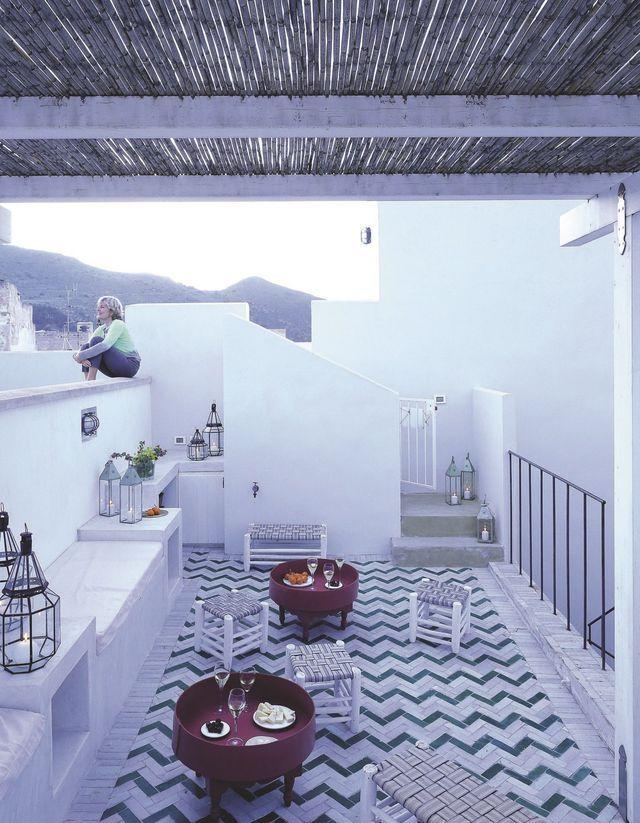 Vacances en Sicile, à Favignana : adresses déco, hôtel, restaurant - Côté Maison  http://www.lacasadellarancio.it/lecamere.asp
