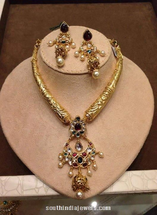 Gold Antique Kanti Necklace With Earrings