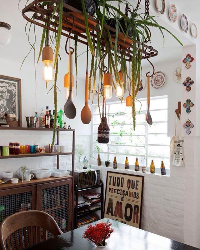 Cozinha com uma pegada industrial. #decor #decoracao #decoration #interiordesign #boatarde #diydecor #diyhome #diy