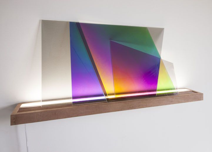 Prismatic Sheets of Glass Change Color When Layered Over Each Other - My Modern Met